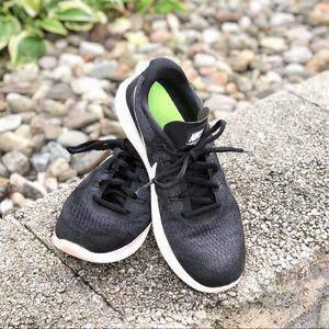 2017 Nike Women's Free RN Flyknit running shoe 7.5
